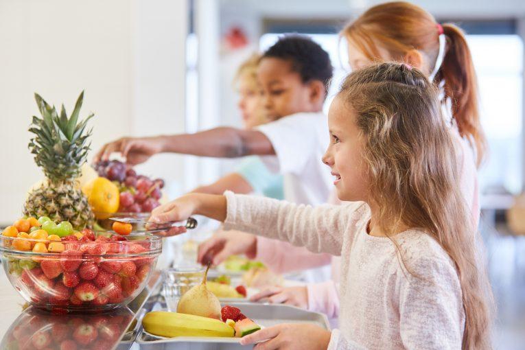 cantine fruits légumes enfant école - Aprifel
