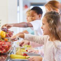 Restauration hors foyer : l'Anses fait le point sur les consommations et apports nutritionnels associés